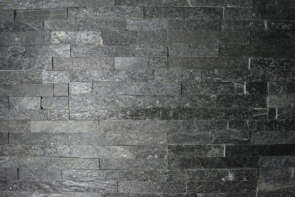 S-0513B-Black-Quartzite